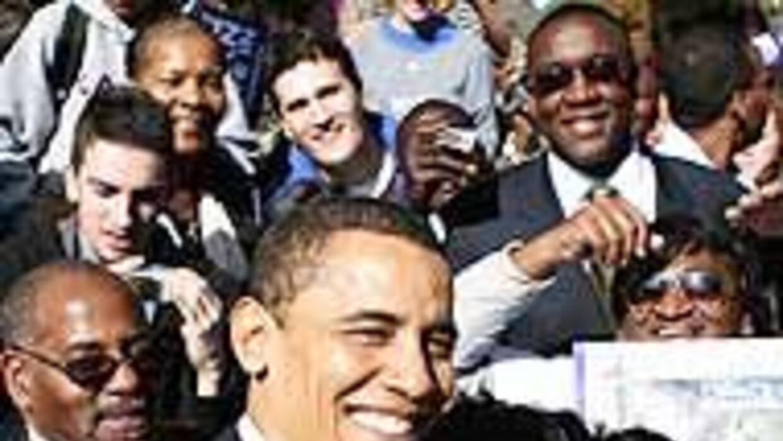 Hispanos siguen confiando en Obama, pero le ponen fecha a la reforma mig...