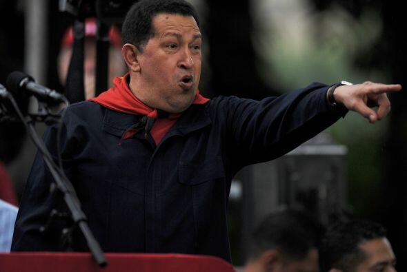 Hugo Chávez aseguró a sus seguidores que será reelecto en las elecciones...