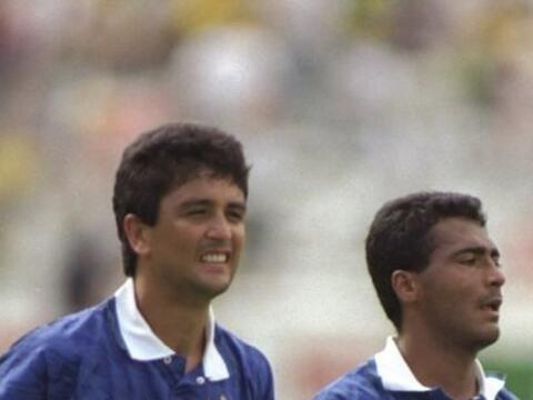 Romario y Bebeto fueron figuras del ataque de la selección brasil...