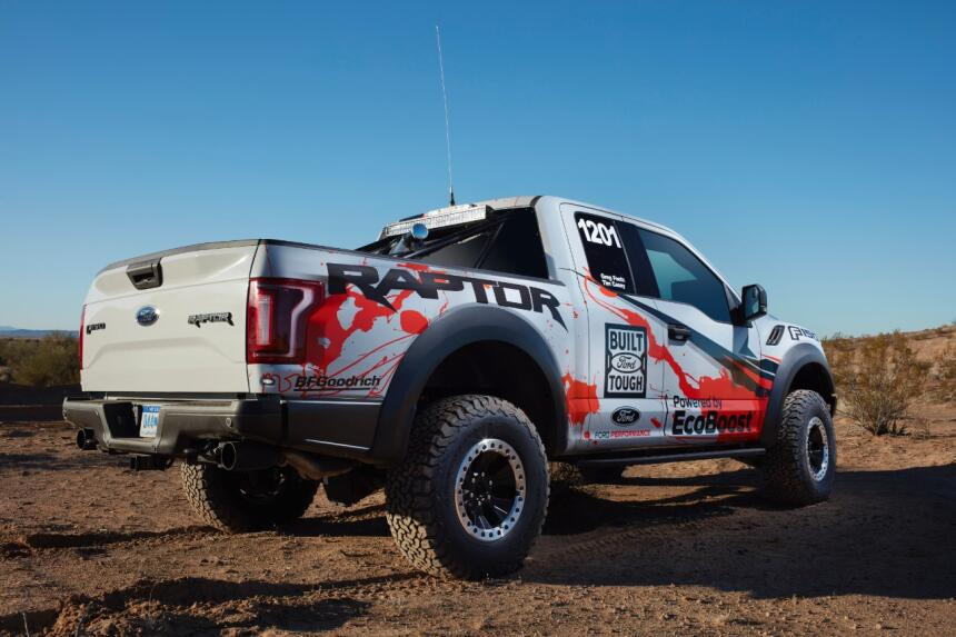 "Ford F-150 Raptor 2017 llega a ""Best in the Desert"" Hero-04-C1.jpg"