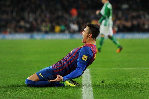 Gran definición de Alexis, aunque el portero tocó el balón pero no bastó...