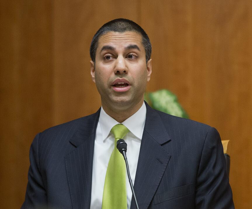 El comisionado de la Comisión Federal de las Comunicaciones, Ajit...