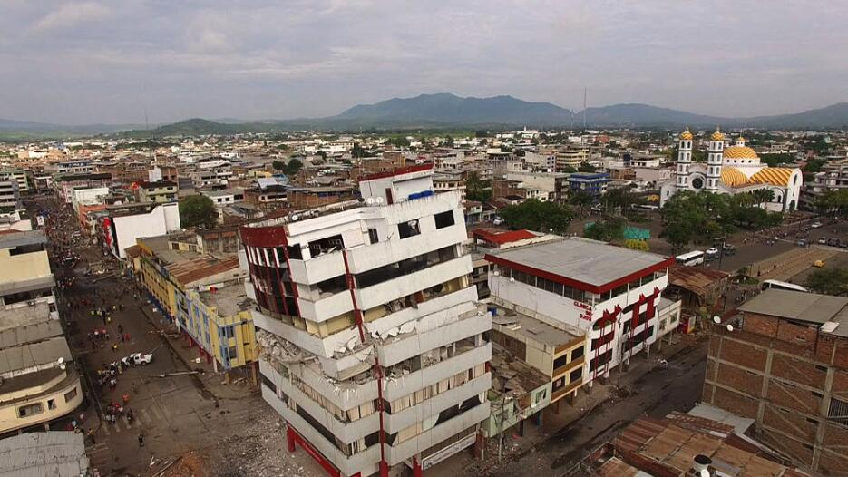 Las imágenes que nos deja el potente terremoto en Ecuador  ecuador13.jpg