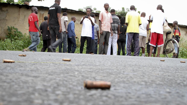 Casquillos percutidos en calles de Burundi.