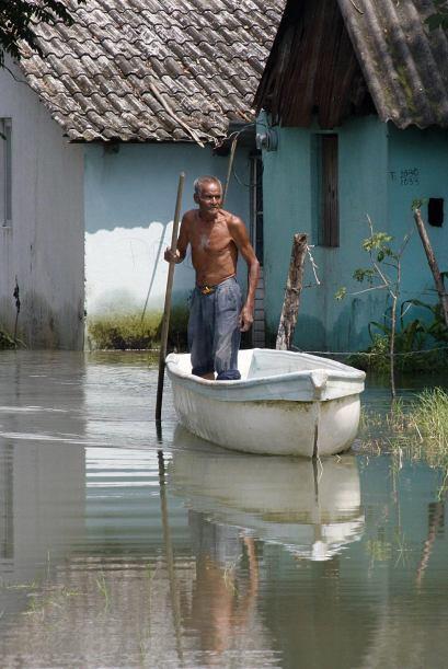 De los 10 ríos que hay en la entidad, sólo tres permanecen desbordados d...