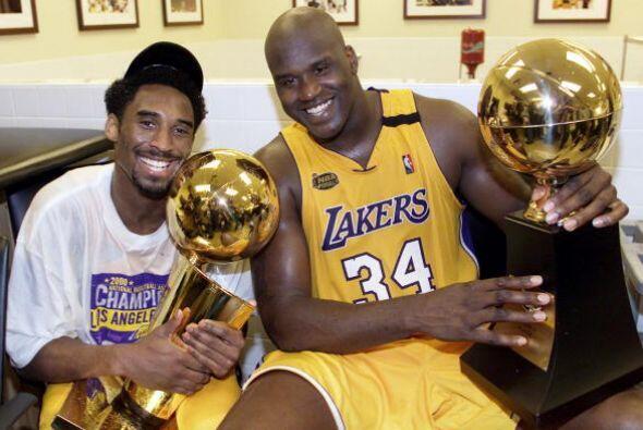 Formando un tándem imparable con Shaquille O'Neal, los Lakers arrasaron...