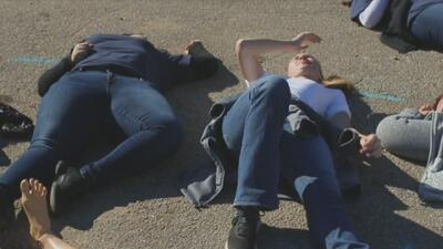 Estudiantes de UTHealth recibieron entrenamiento de reacción ante un tiroteo masivo