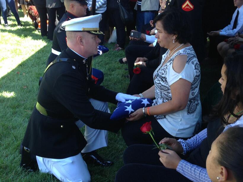 Con honores militares fue el último adiós del marine Carlo...