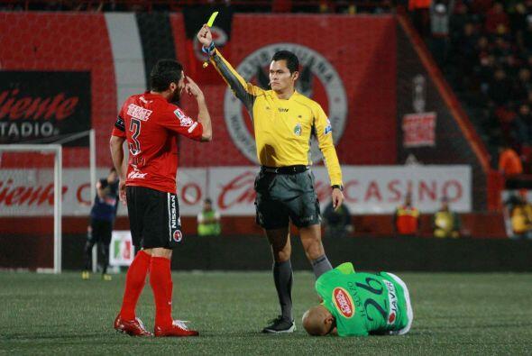 Javier Gandolfi, el juego rudo del argentino lo ha colocado como un defe...