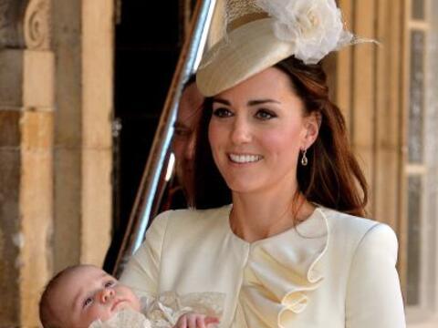 Los Duques de Cambridge ya bautizaron al pequeño George Alexander...