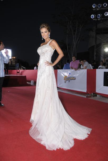 Nos terminó de sorprender en 2011 con este vestido elegante digno de una...