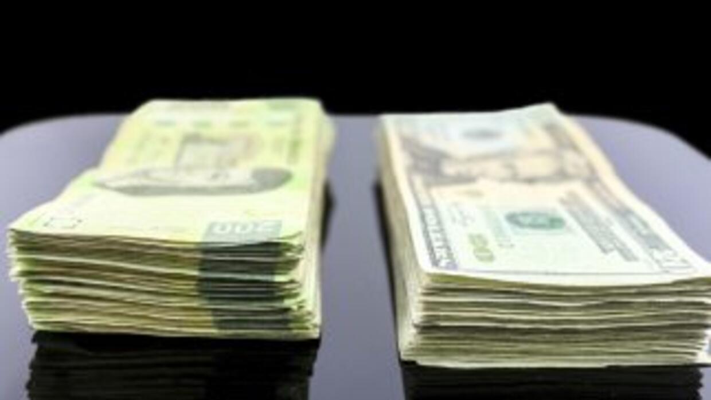 En su máxima cifra en cinco años, el dólar alcanzó en México este jueves...