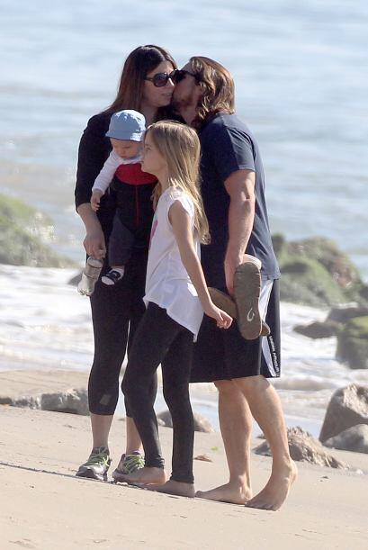 También a su esposa le tocó un dulce beso.