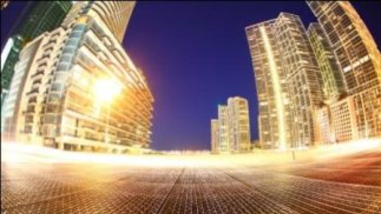 """Las luces de Fort Lauderdale y Miami se unen al evento """"Iluminemos la No..."""