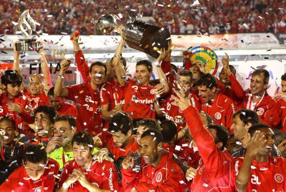 Internacional de Porto Alegre es el actual campeón que superó en la fina...