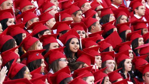 Muchos estudiantes y sus familias creen, erróneamente, que no son...
