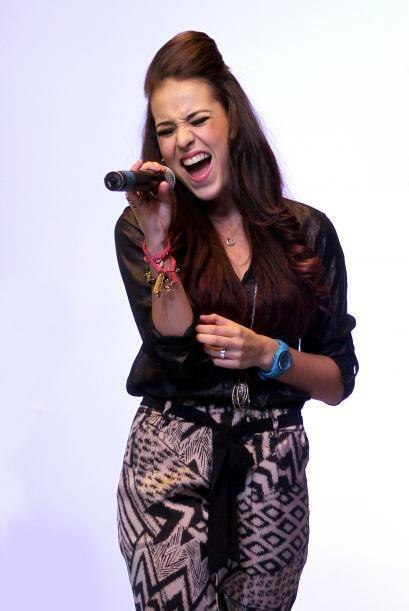 ¡No cabe duda que Danna Paola está llena de talento y belleza!