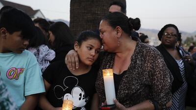 En fotos: el luto envuelve a San Bernardino luego del tiroteo en la escuela primaria North Park