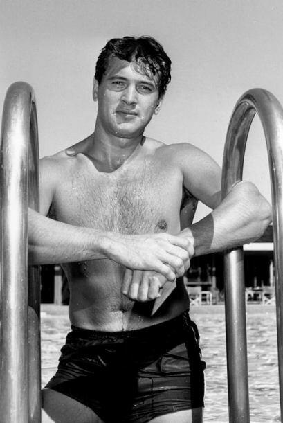 Rock Hudson se coronó como el galán de Hollywood en la década de 1950. F...