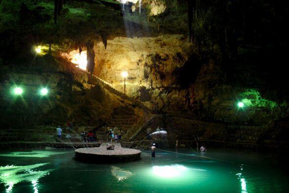 Cenotes en la Peninsula de Yucatán, México