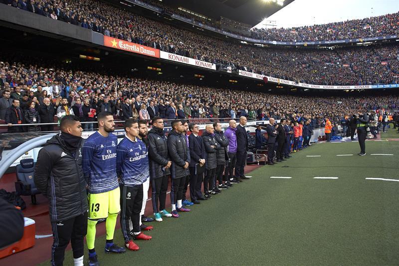 Entre fiesta y luto, el ambiente del clásico Barcelona-Real Madrid 63616...