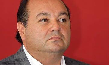 En Marzo de 2014, el propietario del club Gallos Blancos de Querétaro y...