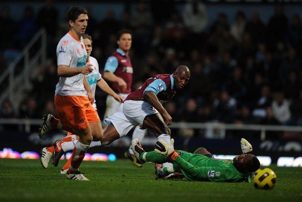 West Ham United y Blackpool aburrieron y empataron 0 a 0.