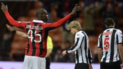 El debut soñado para Balotelli en duelo oficial: Dos goles para darle el...