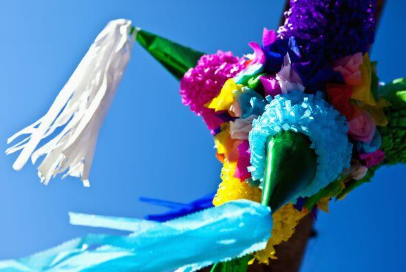 Piñatas estrella. Una tradición 100% mexicana. Las piñatas están hechas...