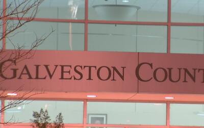 El condado Galveston estudia la posibilidad de implementar el programa 2...