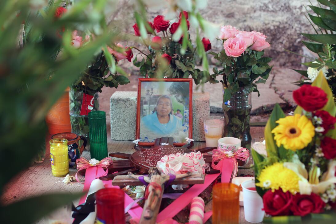 12 muertos bajo la iglesia. Carmen Merecis Ramírez tenía 73 años y asist...