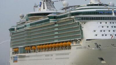 "El crucero, llamado ""Independence of the Seas"", salió de Port Eve..."