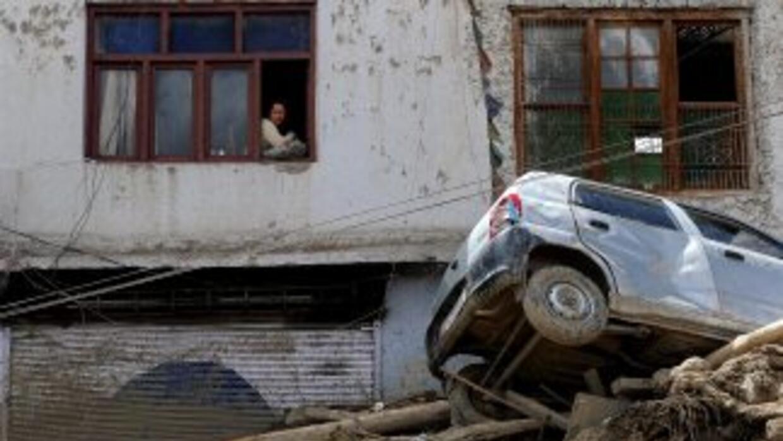 Las intensas lluvias que cayeron en Leh, China, el 6 de agosto, dejaron...