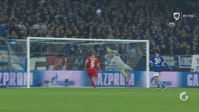 Gran atajada de Faehrmann evita el primer tanto del Lokomotiv