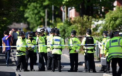 Reino Unido eleva a crítico su nivel de alerta tras la explosión en un c...