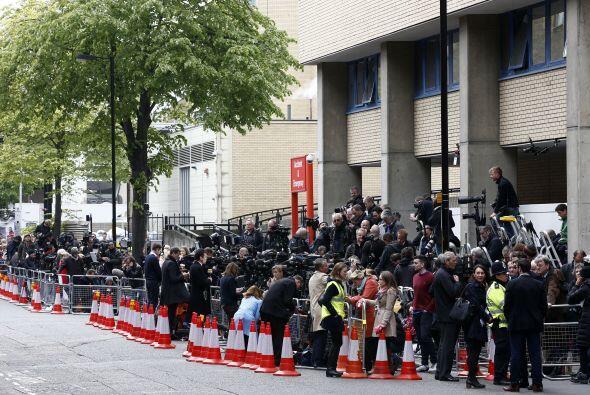 Miles de medios cubriendo la noticia.