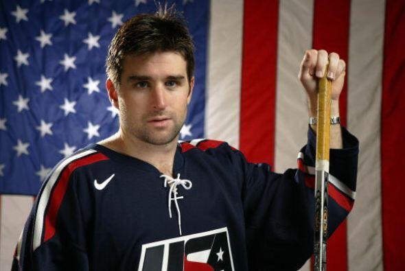 Con la selección de Estados Unidos ganó la medalla de plata en dos ocasi...