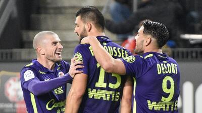 El Caen resiste el empate ante Rennes con un hombre menos y sigue tercero en Francia