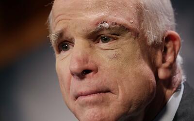 El senador John McCain (republicano por Arizona)