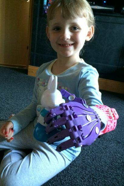 El grupo E-Nable ha ayudado a otro 40 niños como Haley a tener un...