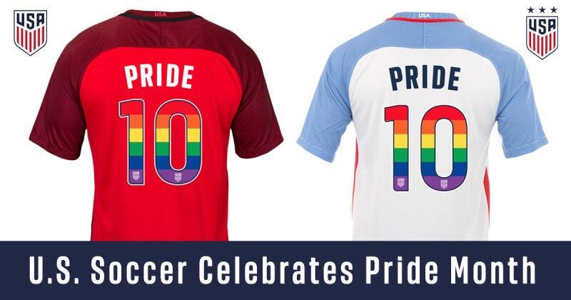 Fútbol y diversidad: hicieron pública su orientación LGBTQ PrideJersey2.jpg