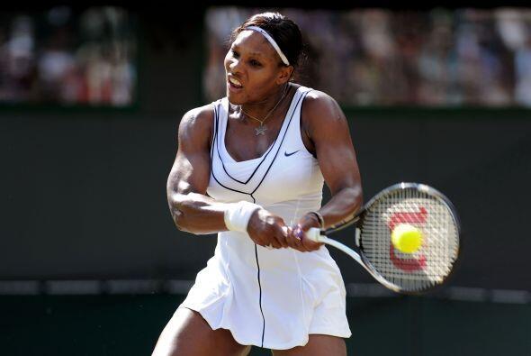 Serena Williams ha caído al número 25 del ránking de la WTA después de u...
