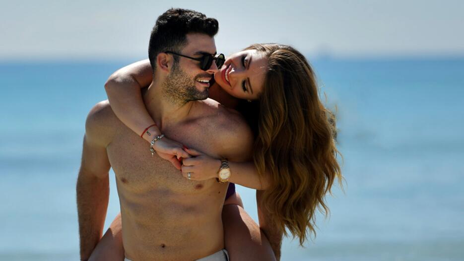Exclusiva: Sandra y su esposo subieron la temperatura en las playa de Miami