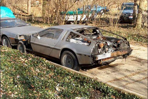 DMC DeLorean S2