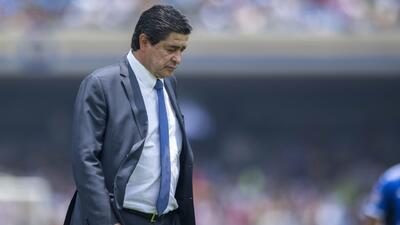 Luis Fernando Tena no es mas técnico de Gallos