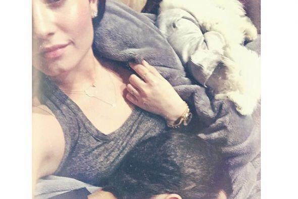 Demi Lovato está muy contenta con su perrito, ¡y no lo cambiaría por nada!