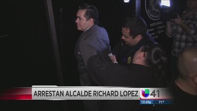 Arrestan al alcalde Richard López de Crystal City