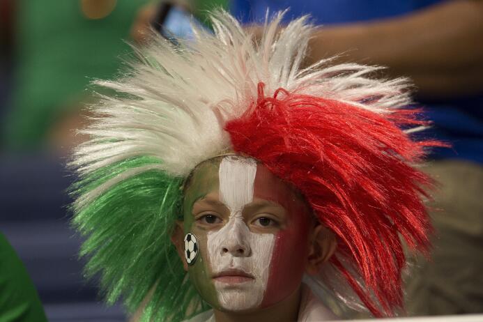 El AlamoDome fue asaltado por la alegría y la belleza tricolores ante Cu...