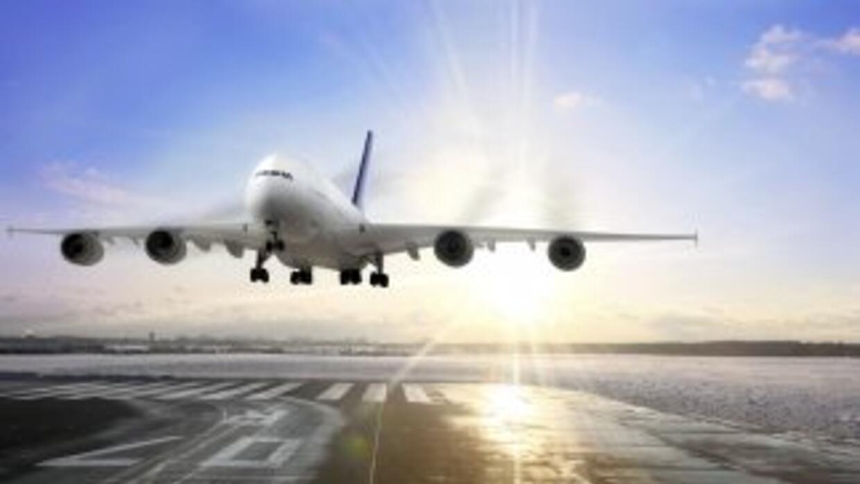Vivir cerca de un aeropuerto afecta a la mente y al cuerpo. El fuerte ru...