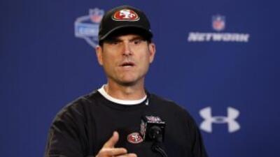 La relación entre los 49ers y Jim Harbaugh no es la mejor (AP-NFL).